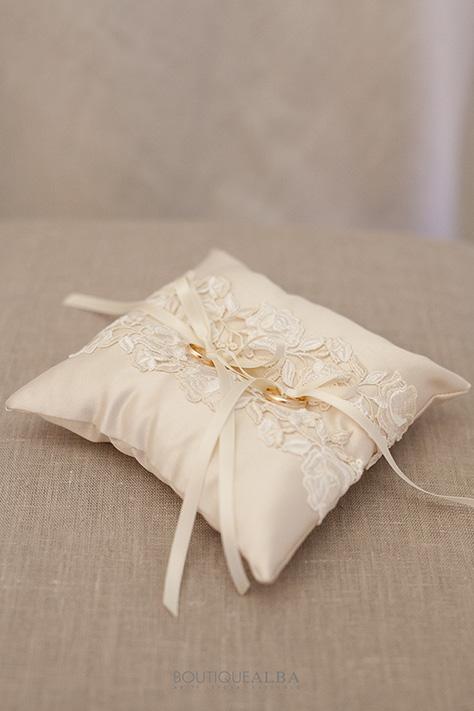 cuscino-portafedi-ba005