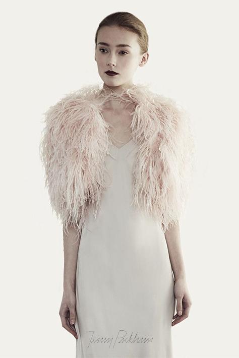 jenny-packham-accessori-santorini-feather-wrap-powder-pink-1